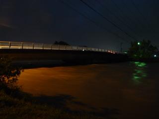 朝明川も増水で堤防決壊